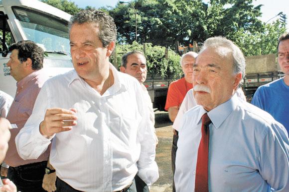 PRAÇA LIONS CLUBE PENHA – Secretário garante instalação de bancos