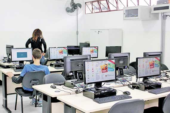 VILA CURUÇÁ – Biblioteca da ZL é reformada e ganha novo projeto paisagístico