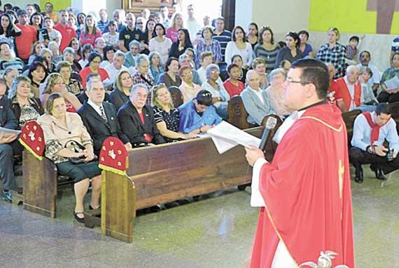 Festa do Divino resgata tradições lusitanas