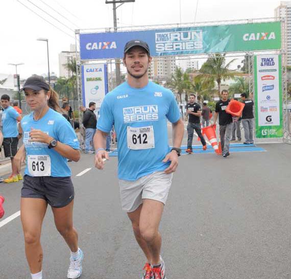 Loreto participa de corrida no Tatuapé