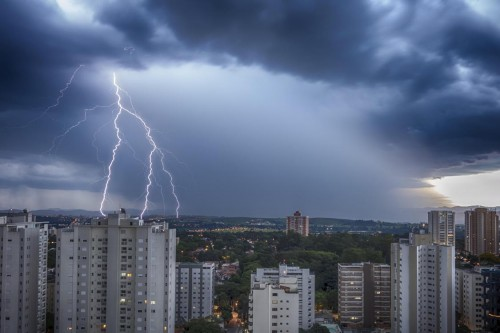 ZL tem a maior incidência de raios da capital