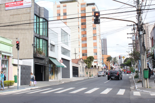 TATUAPÉ – Rua Apucarana está perigosa
