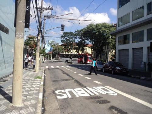 ÔNIBUS NO BELÉM: Moradores criticam corredores