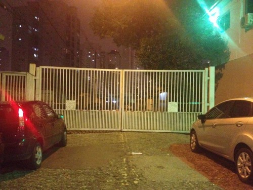 VILAS – Ruas têm que ter portões abertos