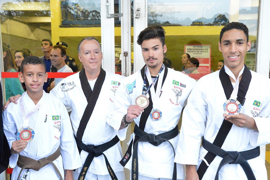 Campeonato no Paraguai Karatê tem medalhistas da Zona Leste