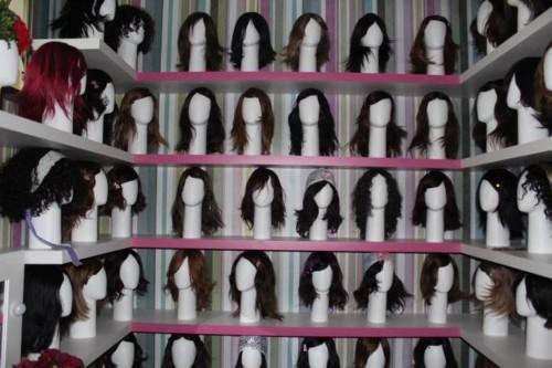 Santa Marcelina inaugura banco de perucas