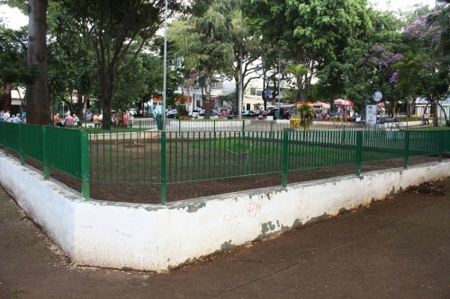 LARGO DO BOM PARTO – Onde está o playground?