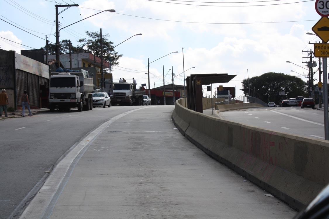 Corredores – Falta de verba paralisa obras na Líder e Itaquera