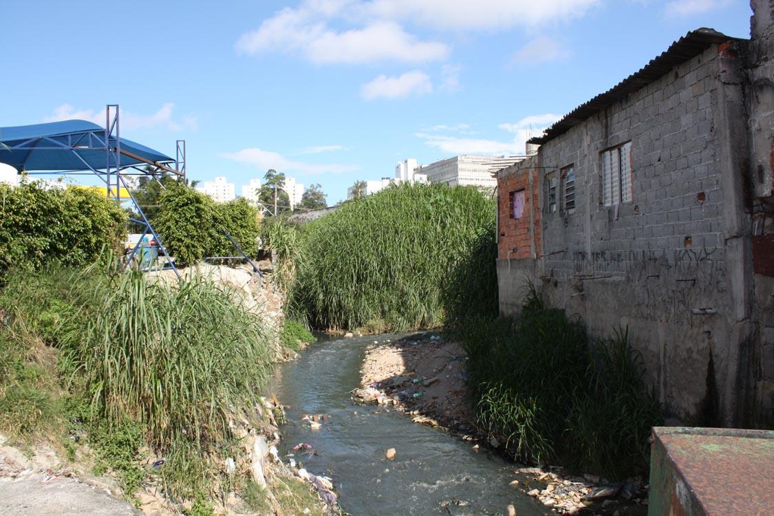 Estado e município retomam  programa Córrego Limpo