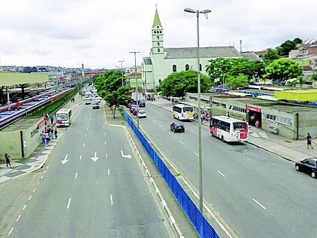 ITAQUERA-GUAIANASES:  Moradores esperam por obras