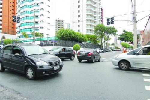 Prefeitura pede ajuda de empresas para semáforos