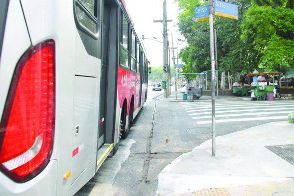 Projeto libera carros para o centro na Av. Celso Garcia