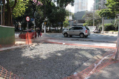 Ligação com a Rua Itapura segue bloqueada