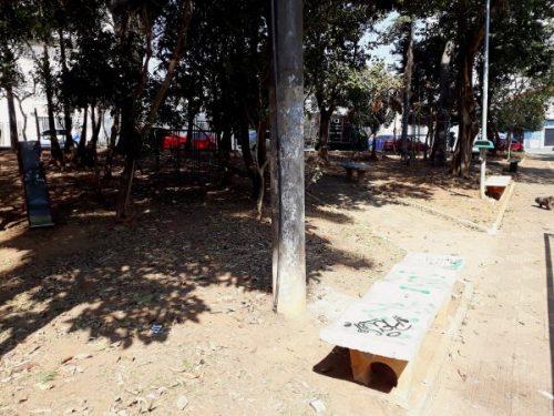Praça General Costa Barreto sofre com baderna