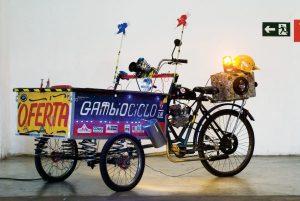 Exposição une arte e invenções
