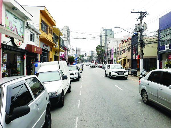 Moradores criticam funk, narguilé e bagunça