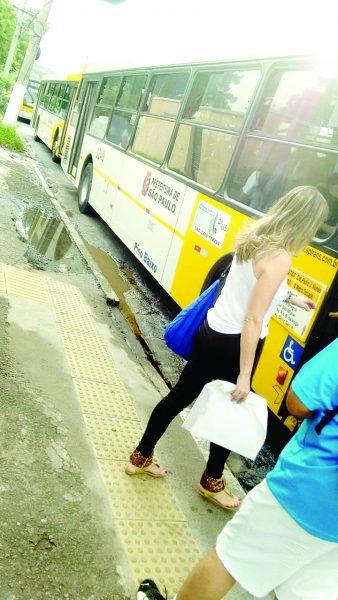 CELSO GARCIA – Passageiros sofrem