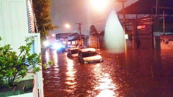 Enchente no Tatuapé – Sofrimento na Arnaldo Cintra