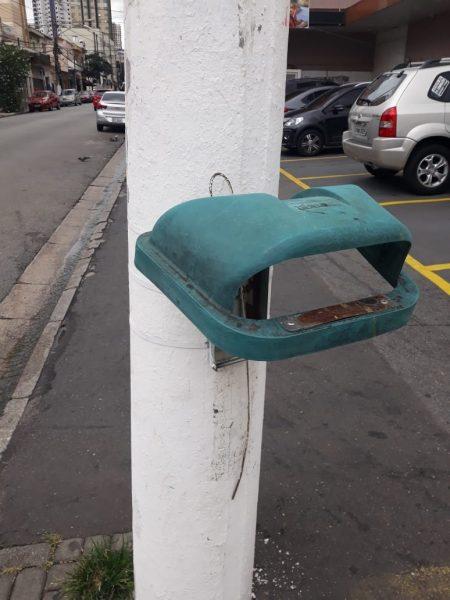 Vandalismo – Lixeiras não resistem