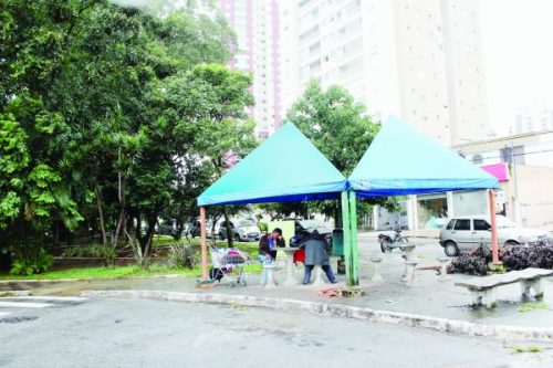 GENERAL COSTA BARRETO: Praça tem 'baile' e churrasco